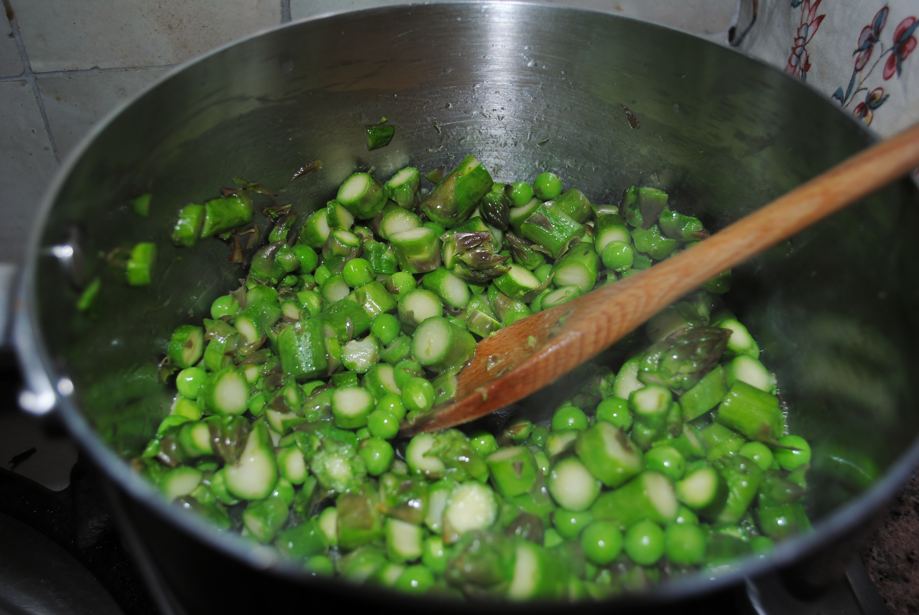 Making asparagus mousse