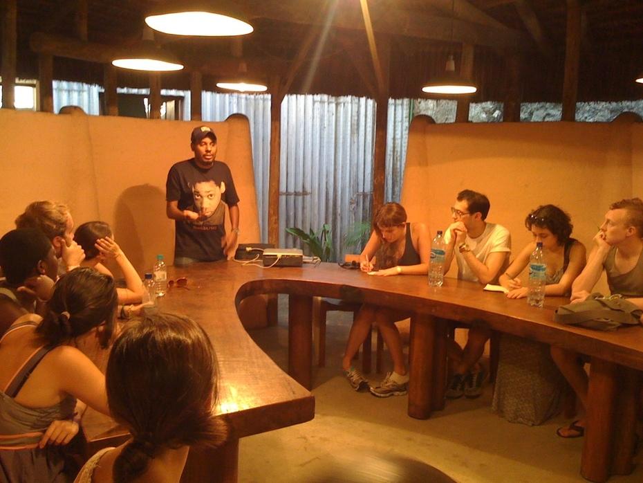 Estudantes da New York University visitam o Instituto Mídia Étnica