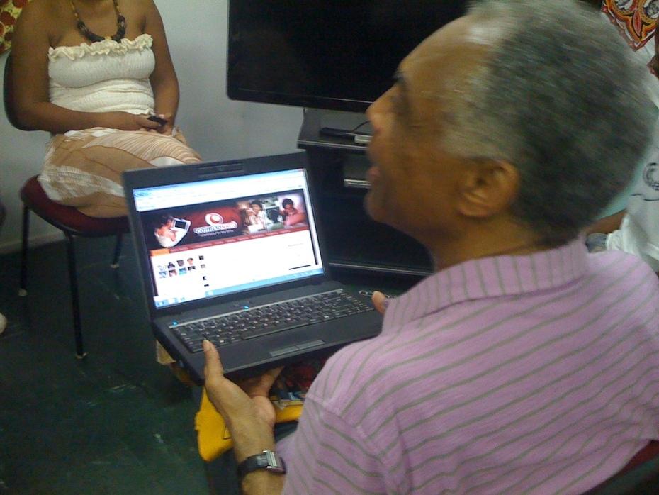 Gilberto Gil no Correio Nagô