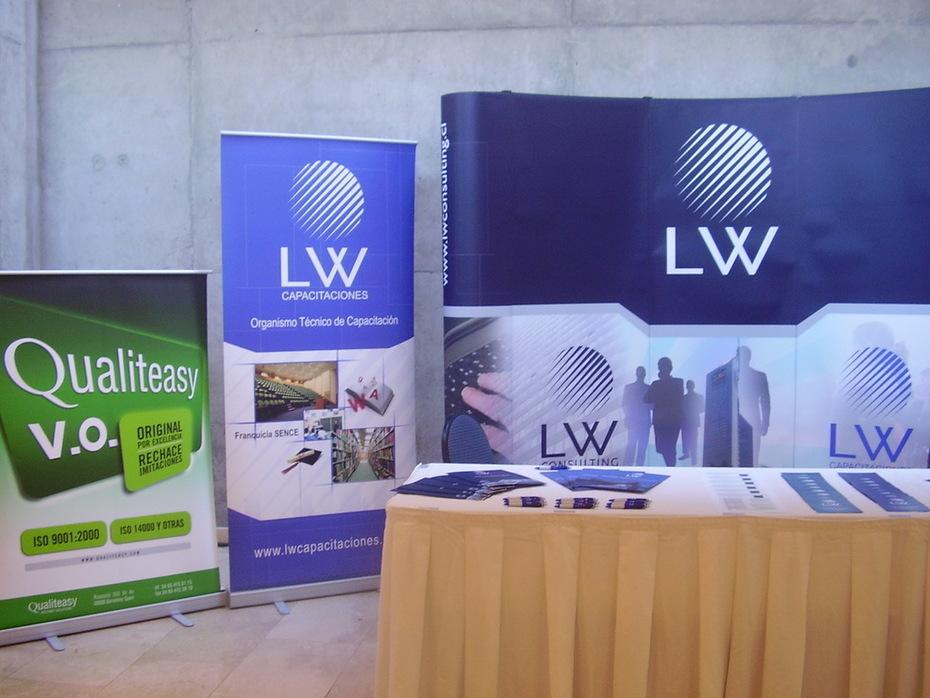 LW consulting presentando Qualiteasy en la semana de las exportaciones en Chile