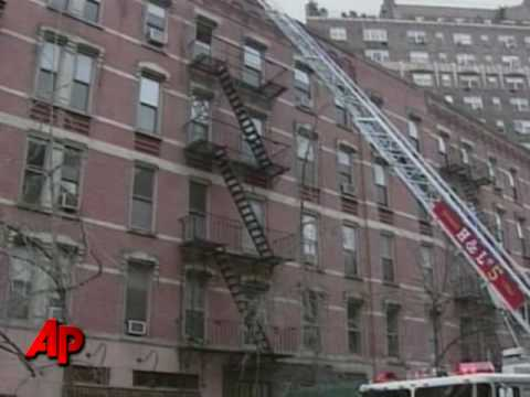 NYC Woman Alerts Residents of Fire
