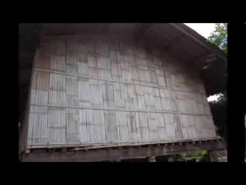 Making Bamboo boards in Thailand การสับฟากทำฝาและพื้นไม้ไผ่