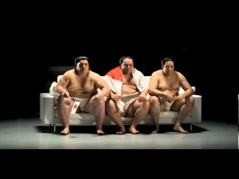 Möbel Kraft - Echt starke Möbel I Sumos Sofa
