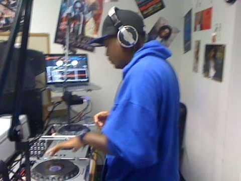 The Hon. DJ M.O.B. Mixxshow on 97.7FM 12/2/09