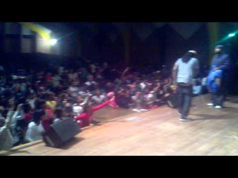 "Tity Boi (2chainz) ""BOO"" LIVE @ MLK Talent Show (Memphis)"