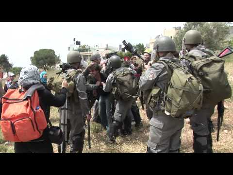 How Does The IOF (Israeli Occupation Army) Deal With the Palestinian Non-violent Resistance? This Is How