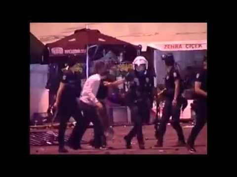 Police applying brutal force on the ground #occupygezi #occupyistanbul #istanbul #direngeziparki  Çekme Çekmee!
