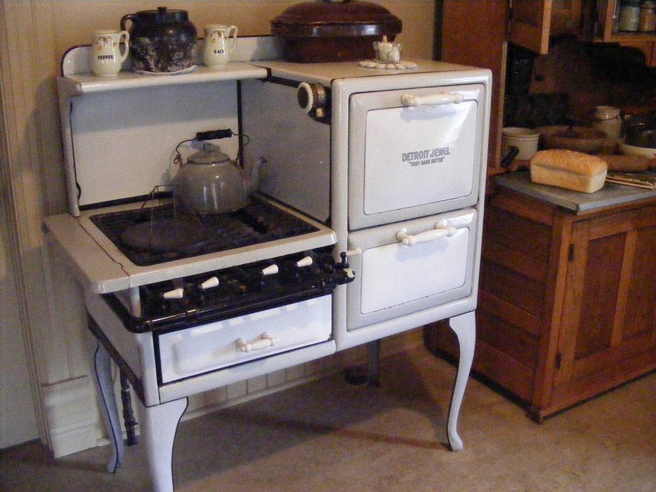RONALD REGAN'S BOYHOOD HOME, DIXON. oCT.30, 2009 046