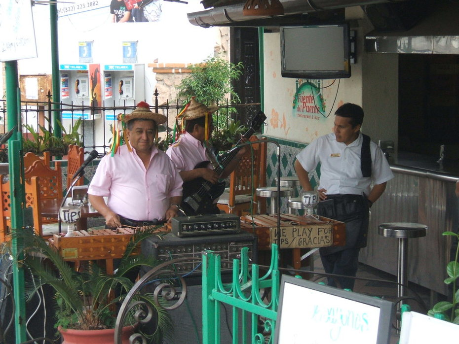Musicians, PV