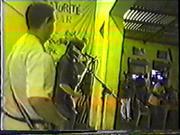 11_Carlos,Fernando,Marcelo no Bar Baturitè em Santo Amaro 1998