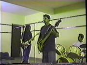 12_Colégio no Aeroporto 1998 Banda Nenhum Mal ( Carlos voval, Herus Baterista e Marcelo Guitarra) 1998