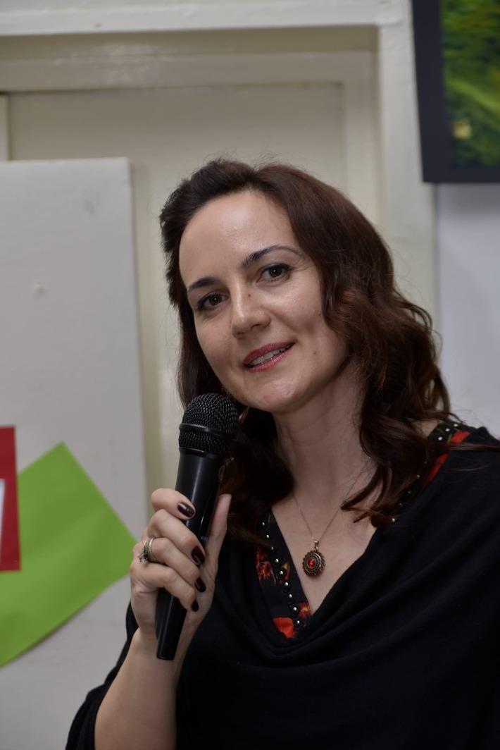 "Ioana Dimbean coordonatoarea Serilor ""Meteorei""!"