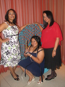 Me con my mom and daughter