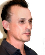 Robert Knepper Visits Emerging Magazine Gift Suite