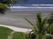 praia frente a pousada
