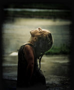 mulher_chuva
