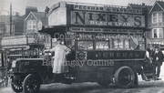 Motorised Bus outside the Queen's Head on Green Lanes, c1918