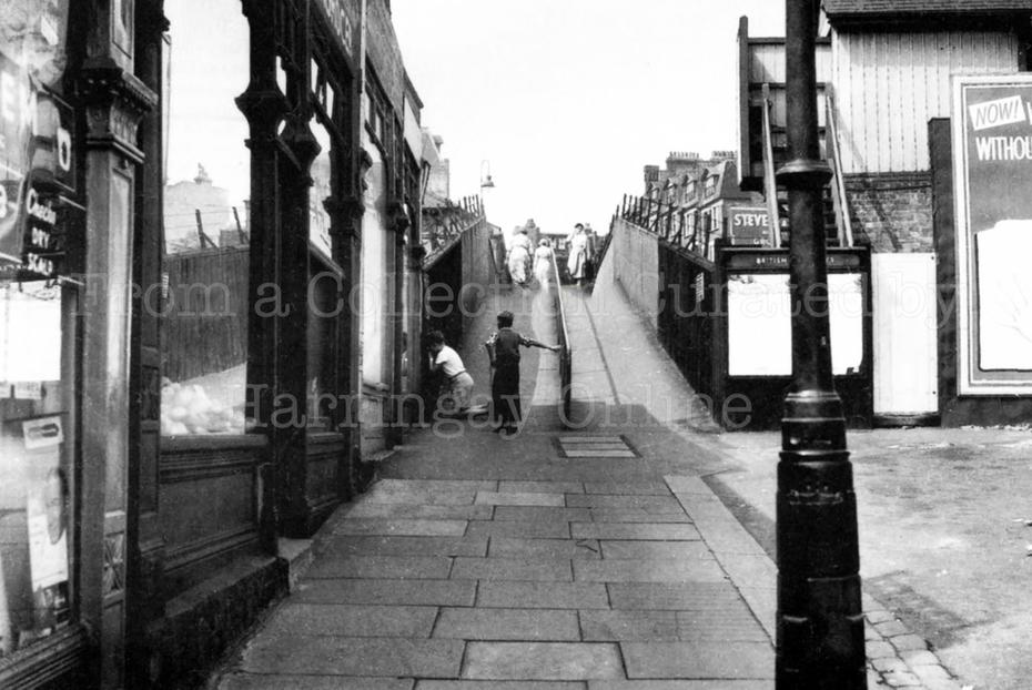 Station Approach, Harringay, 1957