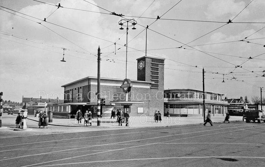 Turnpike Lane Station 1932