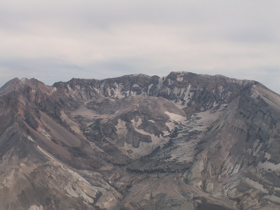 """Mt St Helen's crater and current """"plug"""""""