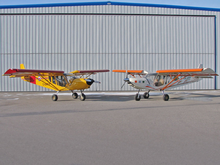 Two STOL CH 750 light sport utility planes