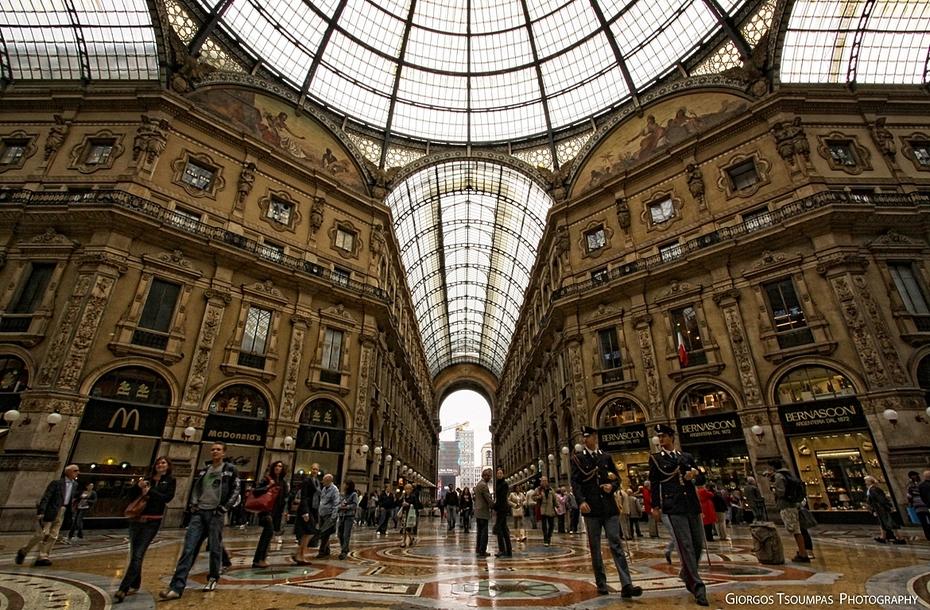 A VITTORIO EMANUELE II  I MILANESI a Milano
