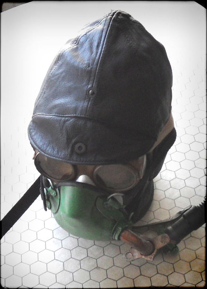 Pulp Space Gear boulle mask