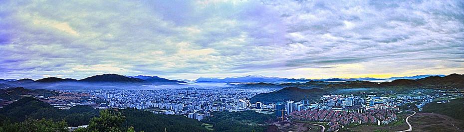 Agnes Chong:中國平远县城的早晨