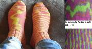 Socken in kunterbunt-neon 01