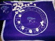 paño bordado a mano  con runas artesanales