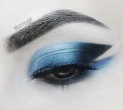 Deep Blue Cut Crease with Double Line