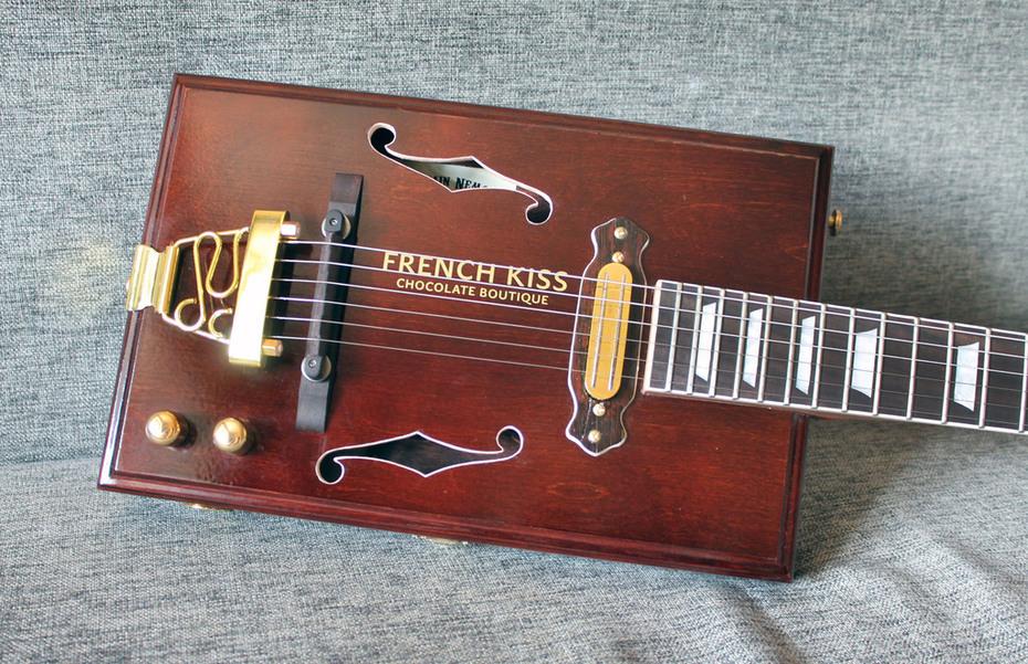 French Kiss 6 string electric jazz box guitar