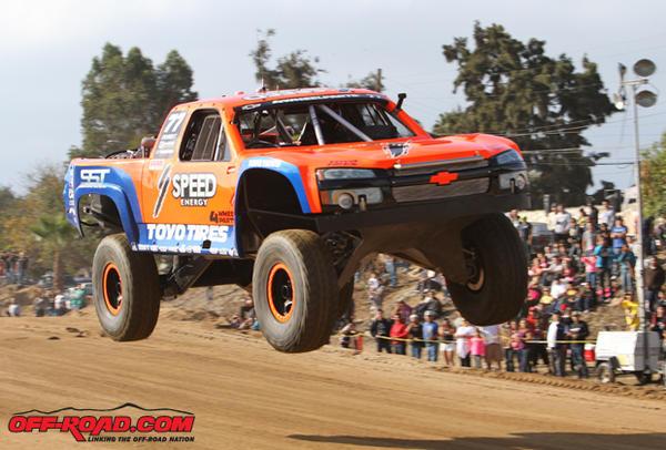 Robby-Gordon-Jump-SCORE-Baja-1000-2013-11-15-13