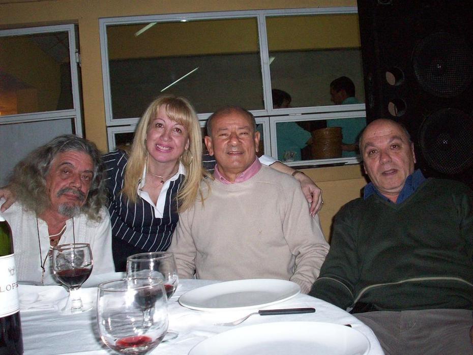 VALLEDOR-MARY-ALFREDO Y MIGUEL