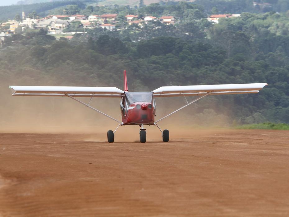 Brazilian STOL CH 750