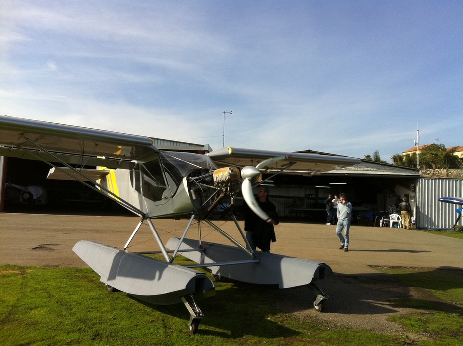 STOL CH 750 on float