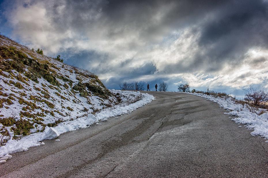 Walking towards Vradetto village