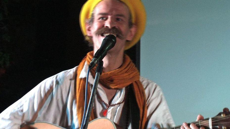 Tobias Huber - Music 4 Peace - Concert  in Nepal