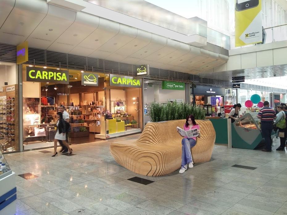 Návrh mobiliáru v Košickom Aupark 4