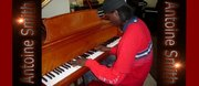 Antoine Smith on a Steinway piano-extra
