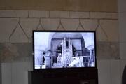 აქ მოკლე მეტრაჟიან ფილმს უჩვენებდნენ საგრადა ფამილიას შესახებ