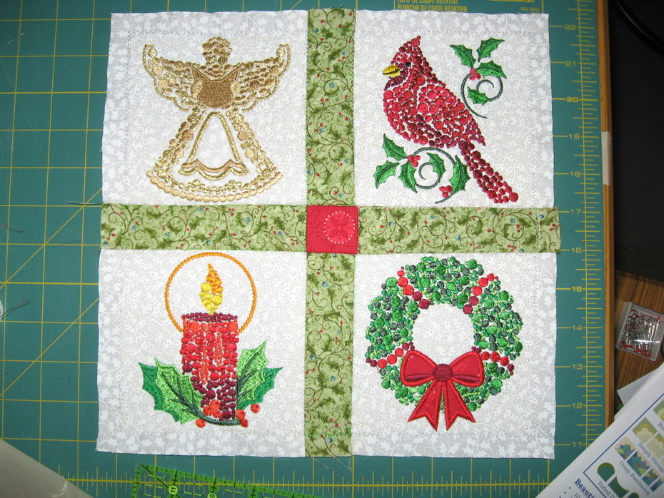 dots Christmas quilt 001