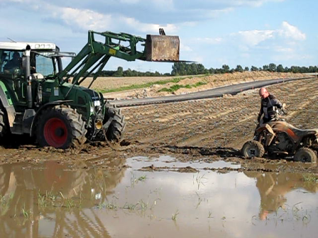 Farmer helps Volker :))