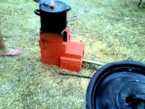 Rocket Stove Portugal Coimbra Transition - How to boil spaghetti