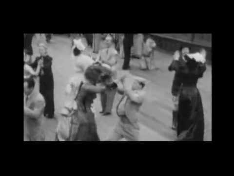 The Boomps-A-Daisy Dance