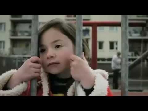 小女生的惡作劇:爸爸,媽媽呢?