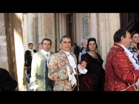 Infiorata di Noto e corteo barocco