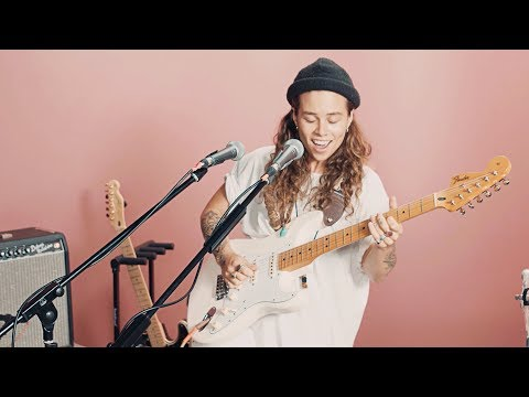 Tash Sultana's Hypnotic Live Set at Rolling Stone