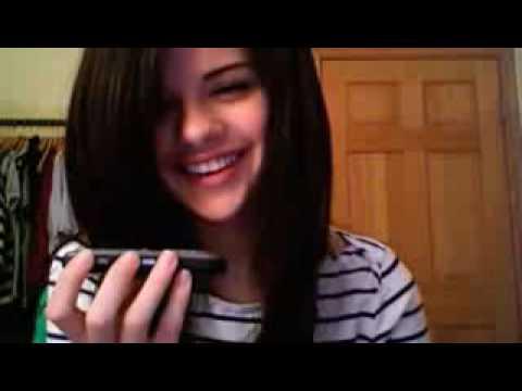 Selena gomez, Fan call back!