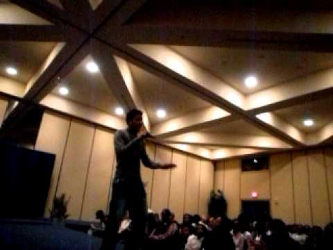"King O Live Performs at the ""CHIC"" Fashion Show"